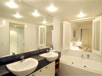 2  Bedroom Apartment Bathroom- Mantra Broadbeach on the Park